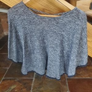 $3 in 3+ bundle! Abercrombie poncho top